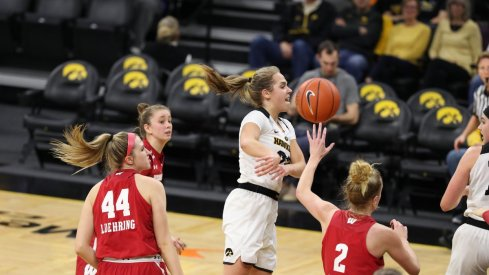 Iowa cruised to another Big Ten victory over Wisconsin 71-53