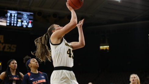 Amanda Ollinger recorded a double-double in Iowa's 108-72 route of Illinois