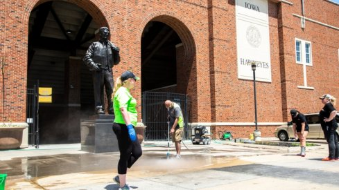 Volunteers Cleaning Up Kinnick