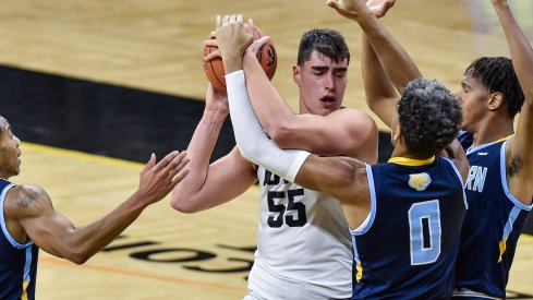 Luka Garza Triple Teamed