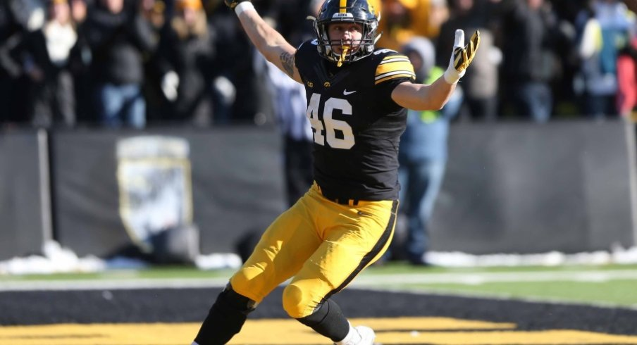 online store 57349 b63c9 Positional Awareness: Tight End   Go Iowa Awesome