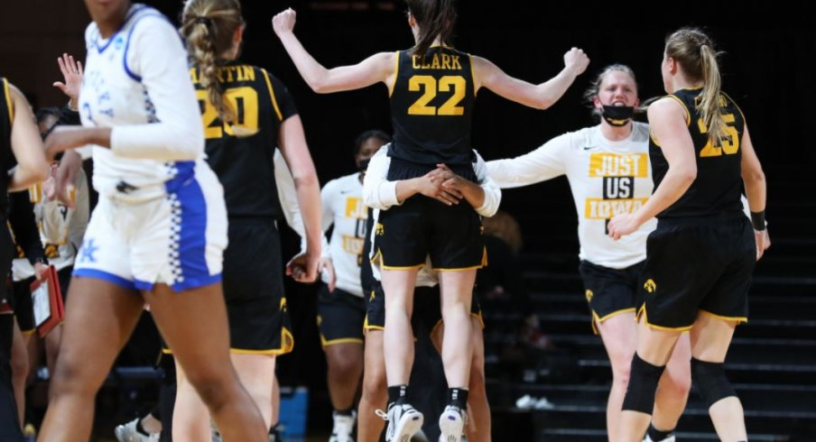 Caitlin Clark led Iowa with 35 points to help the Hawkeyes advance to the Sweet 16